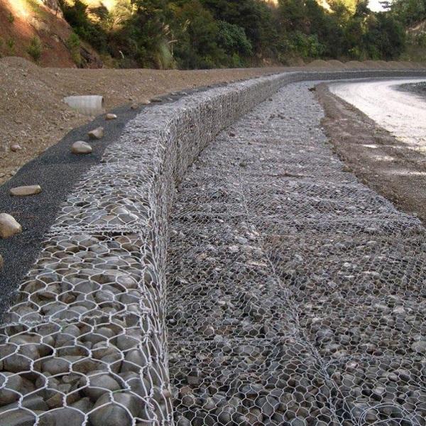 Thiết kế rọ đá theo cấu trúc bậc thang tại các kênh đê ven bờ